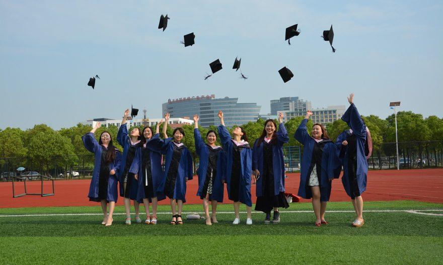 Иностранные студенты чаще заканчивают магистратуру
