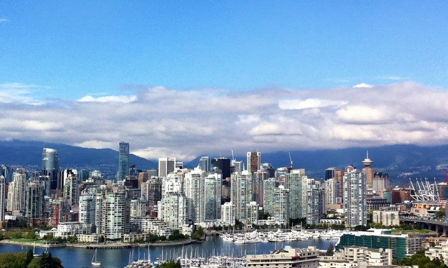 Рекордное количество жителей покидает большие города Канады