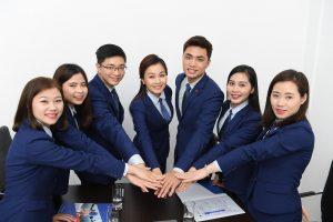 Жители Гонконга получают новые пути иммиграции в Канаду