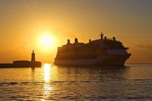 Канада снимет запрет на круизные лайнеры в ноябре